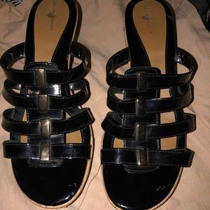 JACLYN SMITH WEDGES